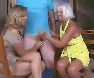 American mom and her friend love..