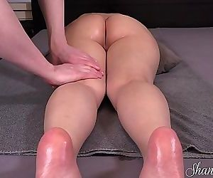 OIL MASSAGE TURNS INTO ORGASMIC..