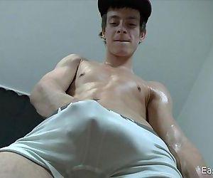 18 Cute Boy whit Big DickHD