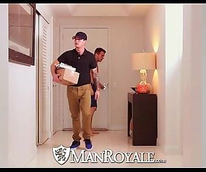 ManRoyaleArcher tests his new dildo with the delivery guyHD