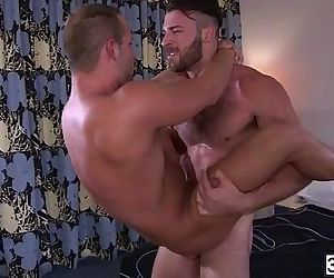 Sexy ass Luke Adams sucked Jarec huge cock and bounces his hot cock
