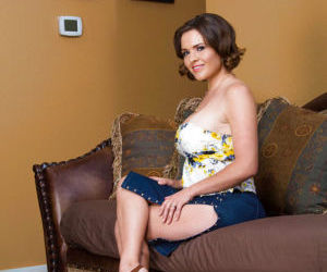 Amateur woman Krissy Lynn stroke..