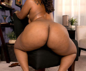 Ebony fatty Cherise Roze..