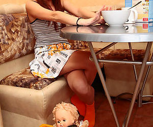 Teenage gingerhead plugs her..