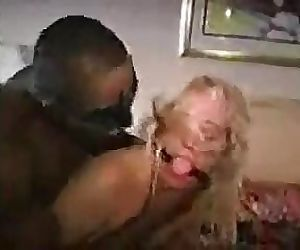 DOM BLK MASTER USING CUCKOLD WIFE