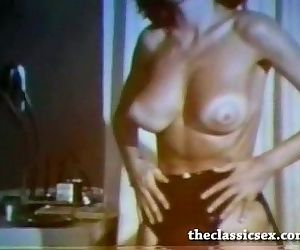 Classy vintage beauty nude