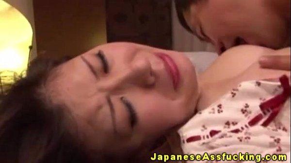 Japanese mature amateur likes ass fucking