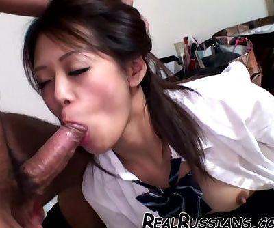 HAIRY ASIAN GIRL !!