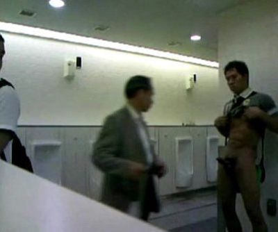 JAPANESE Spunk IN TOILET