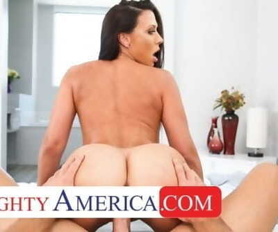 Naughty America Kassandra Kelly takes care of her spouses