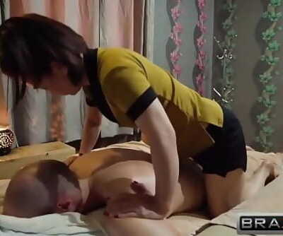 Vietnamese Woman massage 23 min 720p