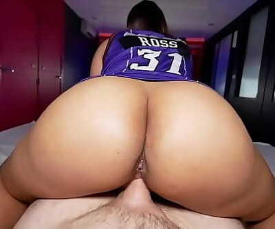 Thick round ass on Thai amateur who loves giving massages 6 min 720p
