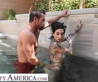 Wild AmericaKassandra Kelly (Joanna Angel) fucks trainer when hubby neglects her 13 min 720p