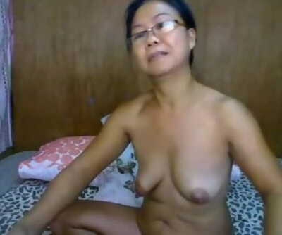 filipina granny showing her asshole on cam