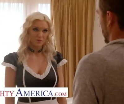 naughty america kenzie taylor gets screwed