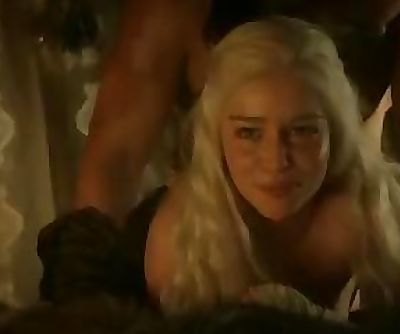 Emilia Clarke Bare Hook-up Scene In Game of Thrones Series - ScandalPlanetCom