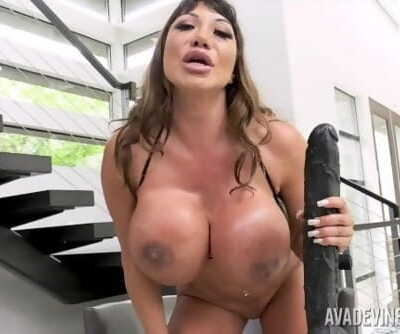 Ava Devine dominatesyou and gives you instructions