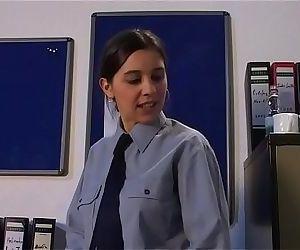 Knast Arzt fickt AufseherinGerman Pornography