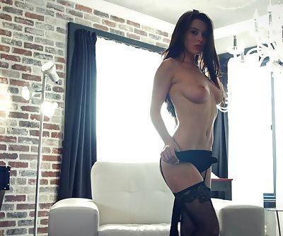 Blühen (Lana Rhoades)
