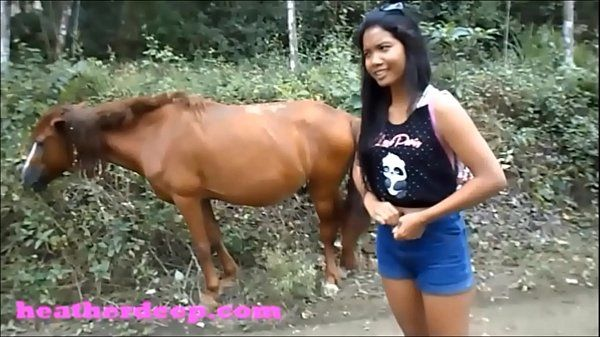 HD Heather Deep 4 wheeling on scary rapid quad and Peeing next to horses in theHD+