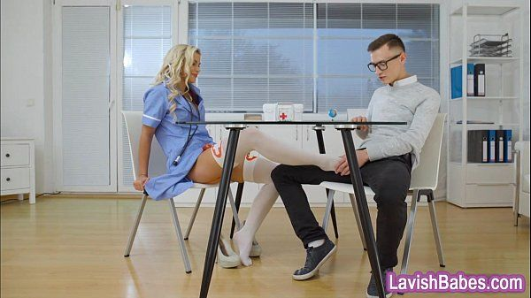 Luxurious blonde nurse Lola Myluv gets drilled by the doctor