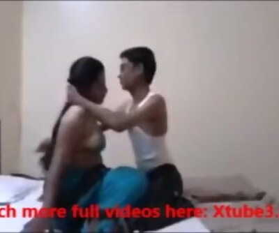 Cute desi gf loves sultry sex on the bed