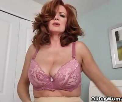 American milf Andi James touches her pantyhosed pussy 12 min 720p