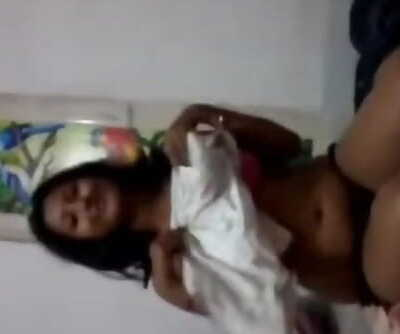Desi college deepthroats paramours in hotel apartment