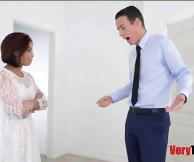 Fucking my stepmom before her wedding in her wedding dress 8 min 720p