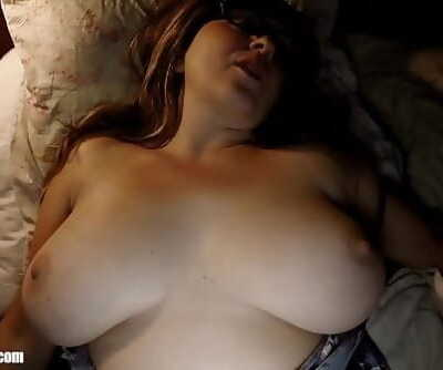 Sleeping Bootys Big Tits: Waking up Wife for a Midnight Fuck, Deepthroat & Swallow. Warm Mom Britney lets her natural..