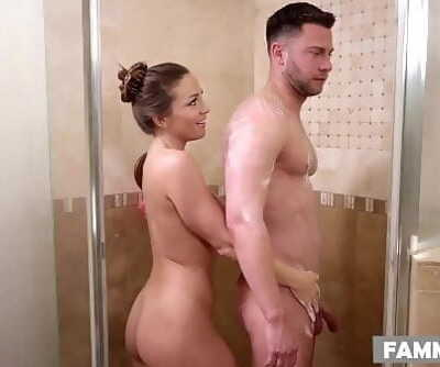 Stepsister massageAbigail Mac 6 min 1080p