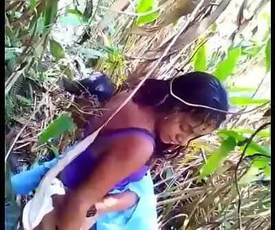 Cojiendo una cobanera en el monte. (Guatemala) 6 min