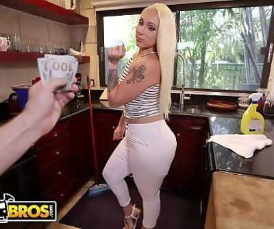 BANGBROSBig Ball-sac Maid Alexis Andrews Cleans House and Fucks Tony Rubino 3 min 720p