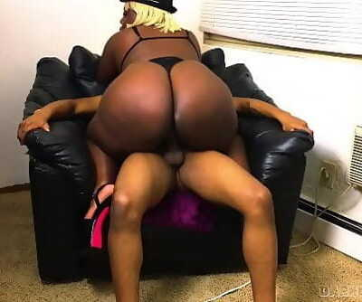 Ebony Big Booty Stripper Came Over For A Nailing 11 min 1080p