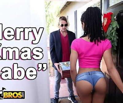 BANGBROSBlack Pornstar Kira Noir Takes Anal invasion From Her Boyfriend Tyler Nixon On Christmas 12 min