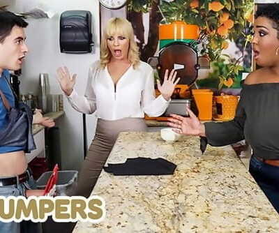 Lil Humpers - Curvy Milfs Dana Dearmond & Layton Benton Sharing Thick Dick in a FFM Threesome
