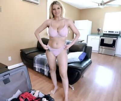 Horny Step Mother Begs for a Creampie - Brooklyn Pursue