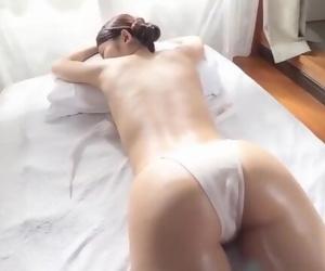 Asian Massage Beautie Voluptuous Massage to Client