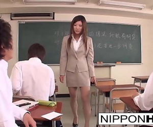 Japanese teacher blows a bunch of her students 6 min 1080p