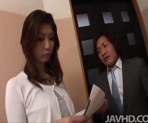 Naughty businessman seduces sexy cougar Nanako Yoshioka in..