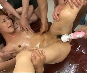 6 men lie Ayaka Mizuhara down for a horny sexy orgy with..