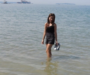 Thin fledgling Filipina Chelsy uncovers her petite figure..