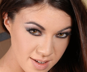 Seductive babe Tiffany Gal pees in buxomy MILF Tigerr..