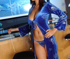 Mind-blowing Asian MILF pornographic star Tera Patrick..