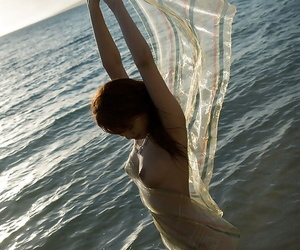 Alluring asian hotty Mari Misaki showcasing her slim bod