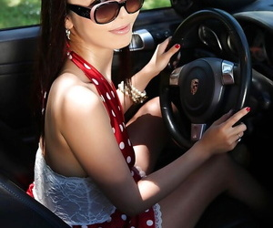 Asian bombshell in sunglasses spreading her vagina with..