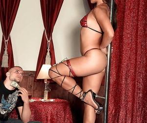 Long-legged Asian Mummy stripper Max Mikita taking..