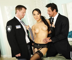 Incredibly jaw-dropping asian lady in nylons gets dual..
