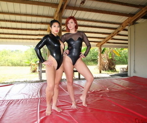 2 nasty babes Queen Amadahy and Mistress Mia manhandle..