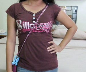 Eighteen year old Filipina girl gets her tight pussy..